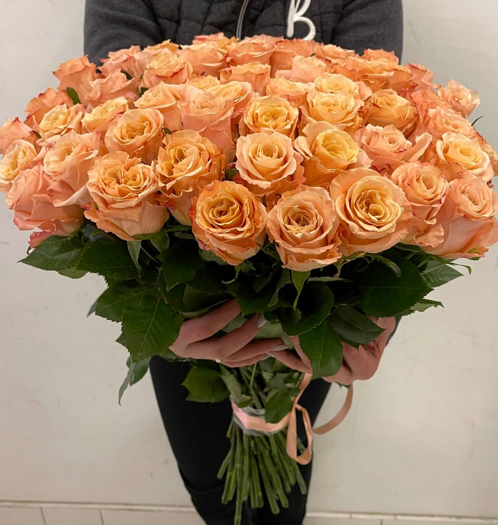 61 персиковая роза