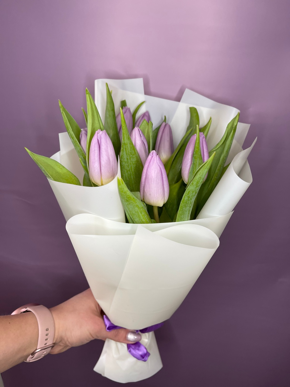 9 лиловых тюльпанов